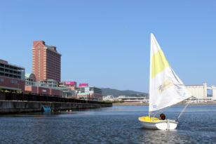 ホテル前で開催中★夏休みボート天国 in 小樽