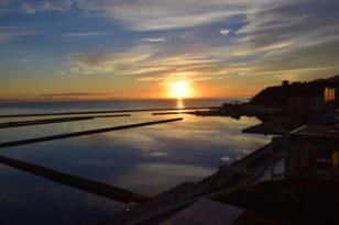海側客室から見える美しい朝日