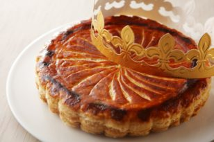 スイーツブッフェに登場★新年の伝統菓子「ガレット デ ロワ」
