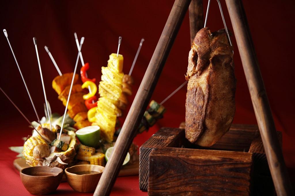 人気沸騰中★ランチブッフェの肉フェス
