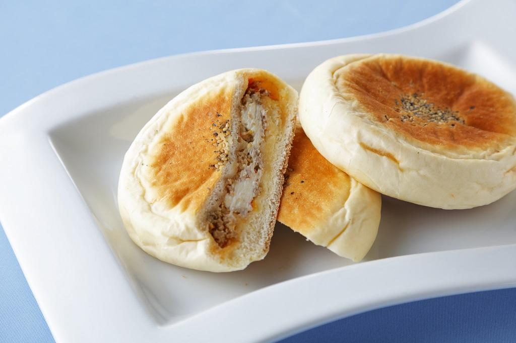 余市産豚肉を使った洋風調理パン